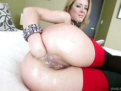 Pretty smoking blonde Sheena Shaw with natural confidential and arousing