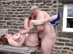 2 big-boobed mature cougars plumbed outdoors